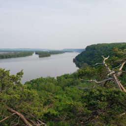 The view of the Mississippi from Hanging Rock