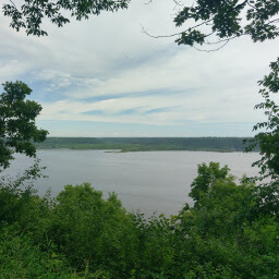 View of the Mississippi from one of the overlooks