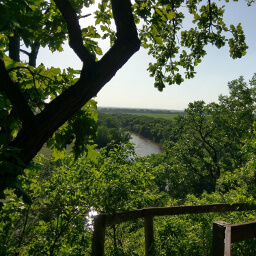 A peek of the Big Sioux River from the overlook